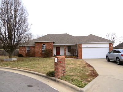Nixa Single Family Home For Sale: 574 Peachum Road