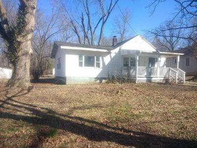 Springfield Single Family Home For Sale: 4208 North Farm Road 145