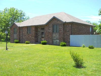 Aurora Single Family Home For Sale: 701 Bluebird Drive