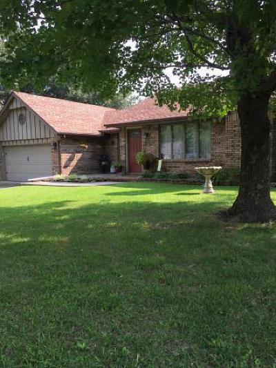 Aurora Single Family Home For Sale: 1310 Mary Lane