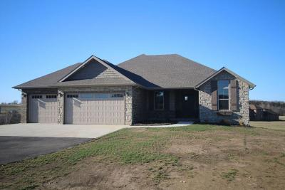 Willard Single Family Home For Sale: 7511 Persimmon Court