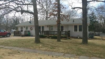El Dorado Springs MO Single Family Home For Sale: $99,900