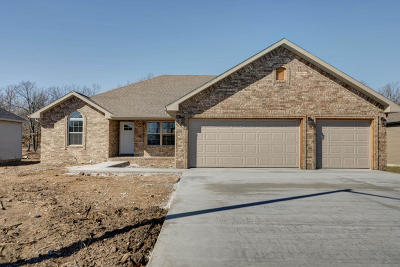 Strafford Single Family Home For Sale: 608 Vermillion Drive