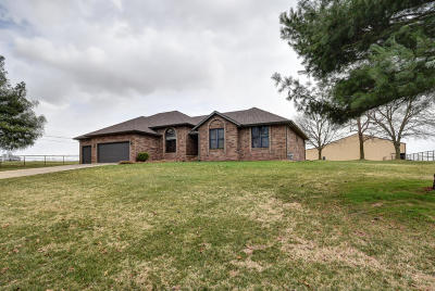 Mt Vernon Single Family Home For Sale: 710 Rosebriar Street