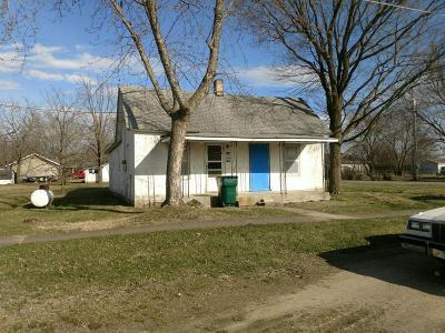 Marshfield Single Family Home For Sale: 536 South Pine Street