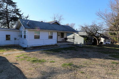 Springfield Single Family Home For Sale: 2511 North Albertha Avenue