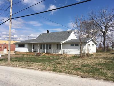 Stockton MO Single Family Home For Sale: $99,900