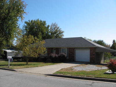 Republic MO Single Family Home For Sale: $105,000
