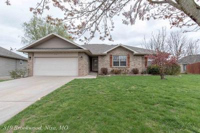 Nixa Single Family Home For Sale: 810 South Brookwood Court