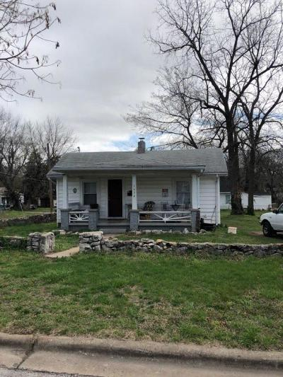 Springfield MO Single Family Home For Sale: $197,000