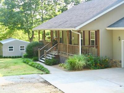 Highlandville Single Family Home For Sale: 555 Rocky Acres Lane