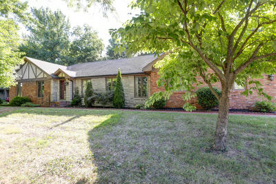 Springfield Single Family Home For Sale: 5752 South Woodcliffe Drive