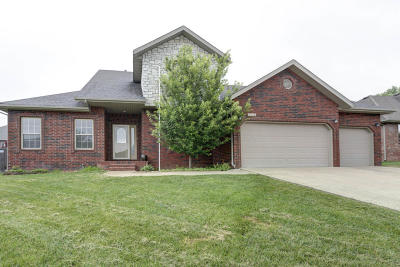 Ozark MO Single Family Home For Sale: $245,900