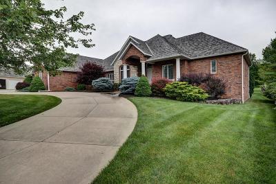 Springfield Single Family Home For Sale: 5346 South Castlebay Drive
