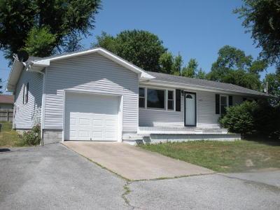 Cassville Single Family Home For Sale: 3110 Main Street Street