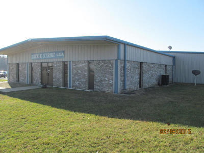 Commercial For Sale: 100 Industrial Park