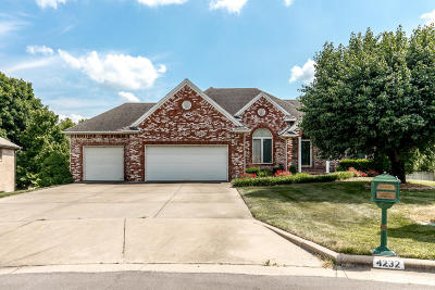 Springfield Single Family Home For Sale: 4232 East Crosswinds Place