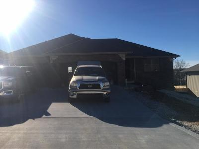 Nixa Single Family Home For Sale: 958 East Lakota Drive