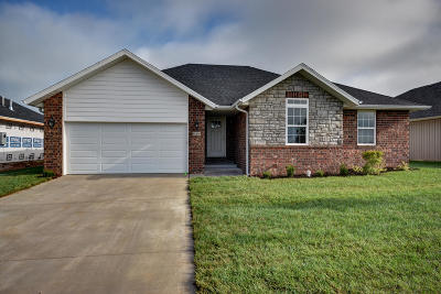 Ozark MO Single Family Home For Sale: $214,900