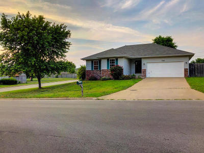 Ozark MO Single Family Home For Sale: $129,900