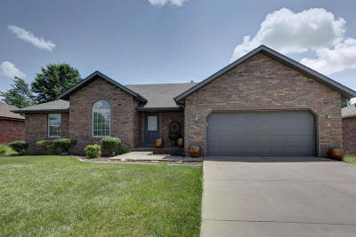 Ozark MO Single Family Home For Sale: $174,900