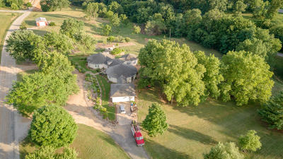 Nixa Single Family Home For Sale: 105 South Whippoorwill Drive