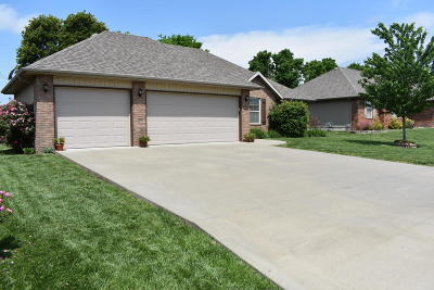 Nixa MO Single Family Home For Sale: $189,900