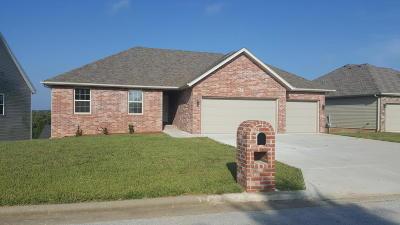 Nixa MO Single Family Home For Sale: $245,000
