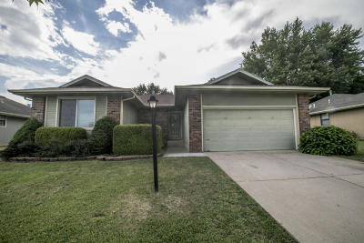 Springfield MO Single Family Home For Sale: $129,900