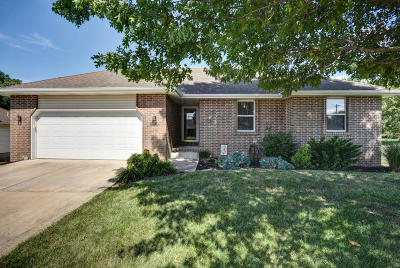 Springfield Single Family Home For Sale: 3671 West Vincent Drive