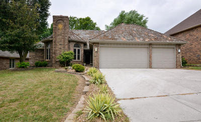 Springfield Single Family Home For Sale: 3265 South Oak Avenue