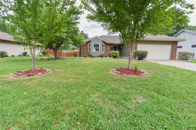 Nixa Single Family Home For Sale: 910 Dabney Street