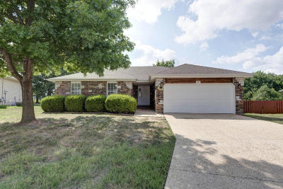 Nixa MO Single Family Home For Sale: $155,000