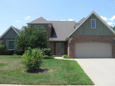 Springfield Single Family Home For Sale: 315 South River Birch Drive