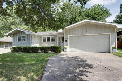 Springfield Single Family Home For Sale: 3045 East Loren Street