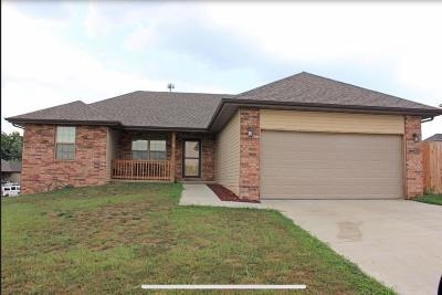 Springfield Single Family Home For Sale: 2848 West Setting Sun Drive
