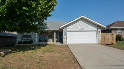 Springfield MO Single Family Home For Sale: $159,000