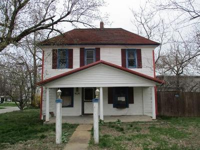 Dallas County Single Family Home For Sale: 301 East Grant Street