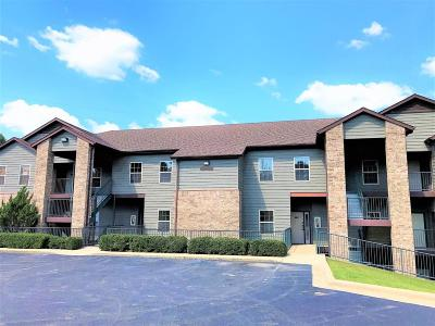 Branson West Condo/Townhouse For Sale: 1001 Golf Drive #4