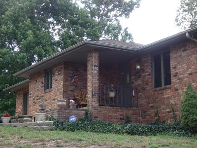 Stockton MO Single Family Home For Sale: $165,000