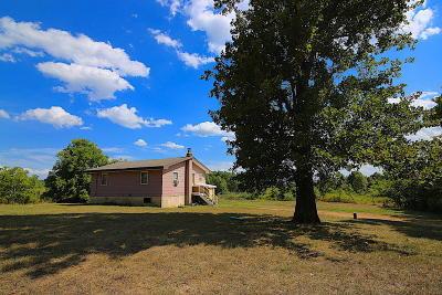 Koshkonong Single Family Home For Sale: 9592 County Road 9660