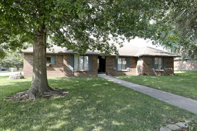 Nixa Single Family Home For Sale: 715 West Briarwood Lane