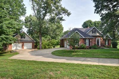 Mt Vernon Single Family Home For Sale: 1304 East Deer Lane
