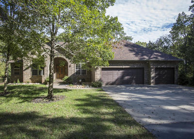 Nixa Single Family Home For Sale: 828 White Tail Court