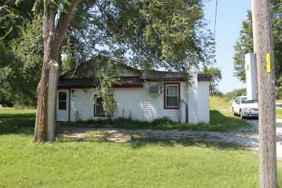El Dorado Springs MO Single Family Home For Sale: $24,900