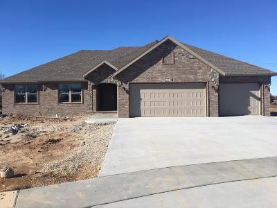 Nixa MO Single Family Home For Sale: $279,995