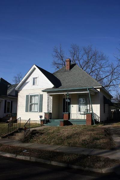 Springfield Single Family Home For Sale: 733 West Brower Street