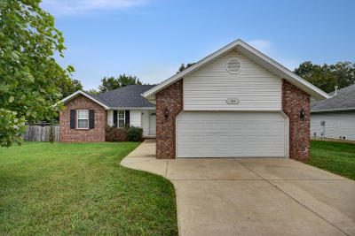 Republic MO Single Family Home For Sale: $142,900