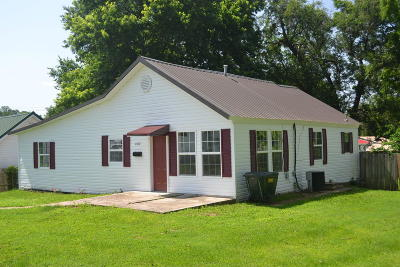 Cassville Single Family Home For Sale: 402 12th Street