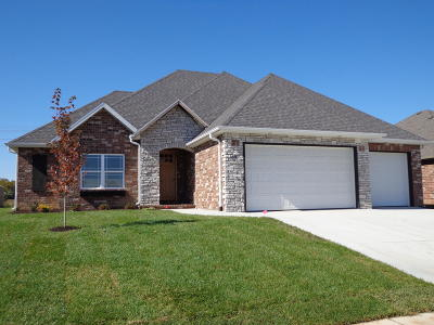 Nixa Single Family Home For Sale: 611 North Bonda Way